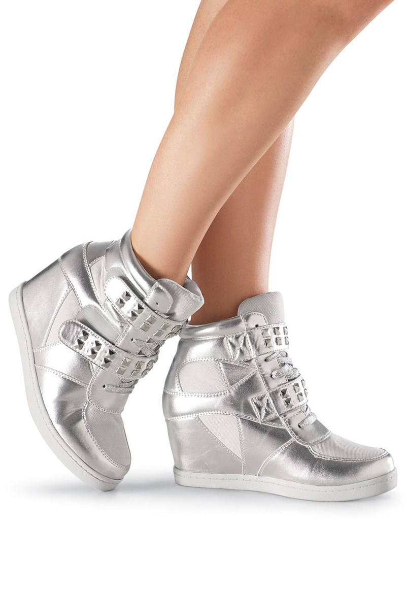 Gotta Flurt Studded Wedge Sneaker